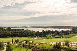 Bella-Collina-Golf-Course-Lake-View