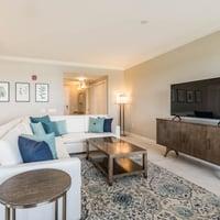 3 Bedroom / 2 Bedroom + Den Suite - Living Room