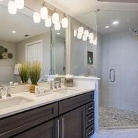 3 Bedroom / 2 Bedroom + Den Suite -  Master Bath