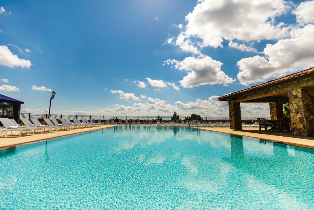 Escape from the Cold Weather at Bella Collina