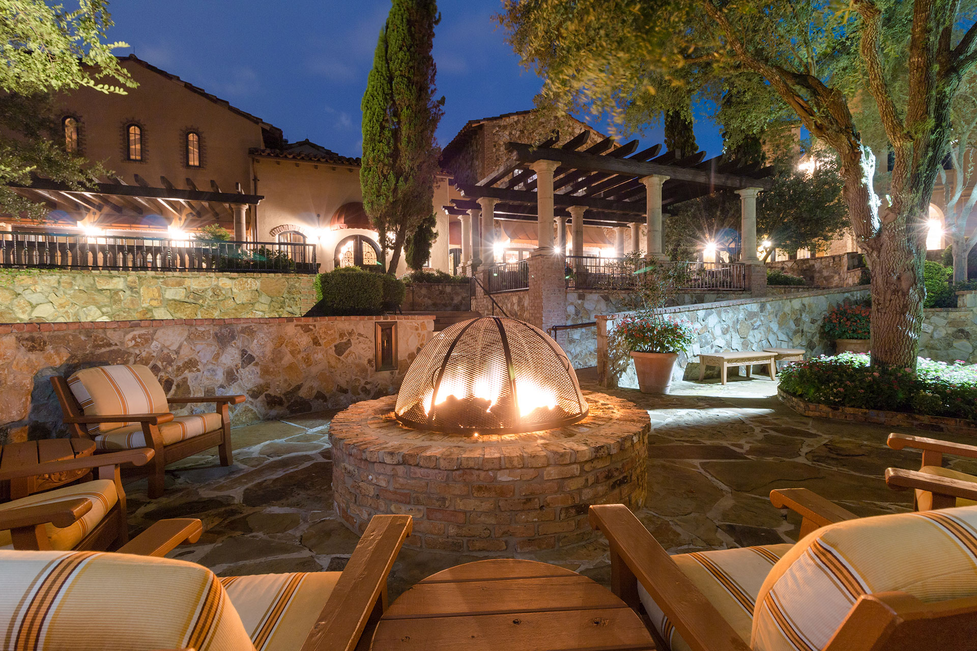 Bella-Collina-Clubhouse-Fire-Pit