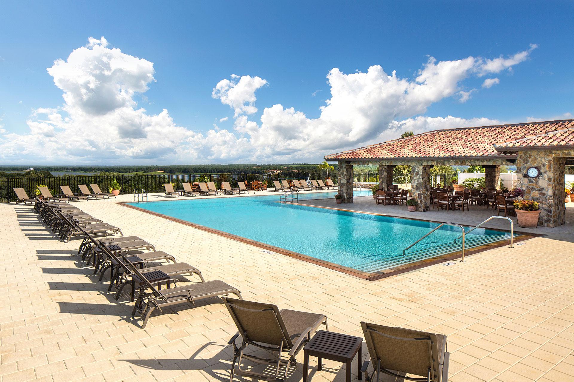 Bella-Collina-Clubhouse-Pool